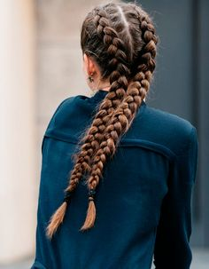 Braids are generally super romantic and feminine so I love how french braid pigtails, more appropriately known as boxer braids, exude a sporty, bad-ass edge. And since the plaits start at the top of the head, it's the… French Braid Pigtails, Double French Braids, French Braid Hairstyles, Spring Hairstyles, Pretty Hairstyles, French Braid Tool, Easy Hairstyles, Boxer Braids Hairstyles, Dutch Plait