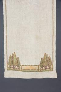 Newcomb College - Pauline Wright Irby Nichols (1879-1983) - Table Runner. Embroidered Linen. Circa 1916.