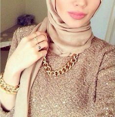 golden chain necklace with hijab