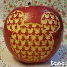 ミッキーーーー * * デザイン画の時点で間違ってるところがありました #どうでもいい情報 * * #mickey#mickeymouse#disney #disneygram#disneydrawing #apple#appleart#art#creativeart #foodart#foodpic#cuteart#fruit #fruitart#disneyart#zentangle #ミッキー#ミッキーマウス#ディズニー #りんご#りんごアート#フードアート #フルーツ#果物#ミッキー柄 #キャラフード#キャラごはん #ルンルンアート