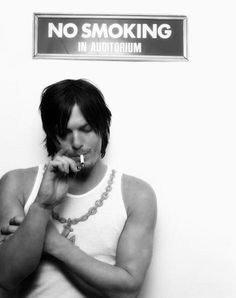 Norman Reedus one of the few people who make smoking look good The Boondock Saints, Norman Reedus, Daryl Dixon, The Walking Dead, Hollywood, Stuff And Thangs, Celebs, Celebrities, Attractive Men