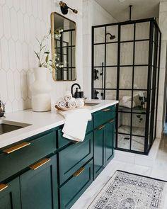 Deco Cool, Modern Bathroom, Small Bathrooms, Green Bathroom Mirrors, Tiled Walls In Bathroom, Vintage Bathroom Mirrors, Black Cabinets Bathroom, Dark Green Bathrooms, Masculine Bathroom