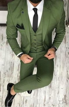 New Brand Groom Tuxedo Suit Custom Made Wine Red Men Suits Terno Slim Fit Peaked Lapel Groomsmen Men Wedding Prom Suits Groomsmen Suits, Men's Suits, Blue Suits, Prom Suit Outfits, Casual Outfits, Gym Outfits, Dress Casual, Fall Outfits, Traje Slim Fit