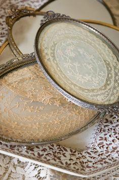 Sheer Luxury of Antique Lace – Victoria Magazine – αντίκες – lace Silver Platters, Silver Trays, Victoria Magazine, Linens And Lace, Romantic Homes, Vintage Crafts, Vintage Ideas, Vintage Style, Antique Lace