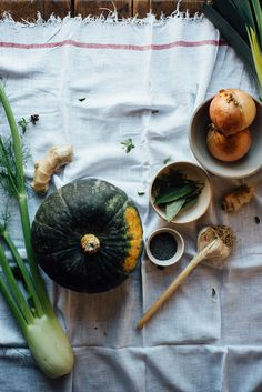 Kabocha Squash, Fennel and Ginger Soup with Spicy Coconut Cream | Dolly and Oatmeal