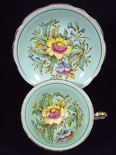 FOLEY-HELICHRYSUM-PATTERN-HP-FLORAL-BLUE-GREEN-TEA-CUP-AND-SAUCER
