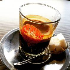 Un #cafe à #Agadir #maroc : plus de sucre que de café  !  #Morocco #coffee #sugar...