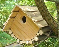 Cabane nichoir a oiseaux en bois