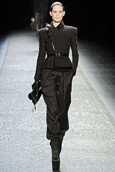 Nina Ricci Fall 2009 Ready-to-Wear Look 10