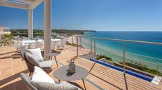 Discover many photos of villa Salema Vista to Algarve (indoor and outdoor) available for rent for an unforgettable holiday with Villanovo, expert in villa rentals. Algarve, Villa, Infinity Pool, Fine Sand, Natural Curiosities, European Destination, Beautiful Landscapes, Beach House, National Parks