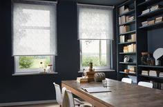 Window treatments for period homes: 20 new ideas - Wandbehandlung Sheer Roller Blinds, Sheer Blinds, Curtains With Blinds, Cafe Shutters, Design Your Own Home, Bed In Living Room, Kitchen Window Treatments, Velvet Curtains, Window Styles