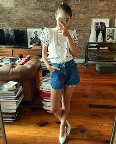 O estilo Jenny Walton – a moderna Audrey Hepburn Audrey Hepburn, Spring Summer Fashion, Spring Outfits, Unique Fashion, Fashion Looks, Style Fashion, Dedicated Follower Of Fashion, Look Short, Summer Lookbook