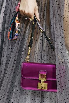 Christian Dior Spring 2018 Ready-to-Wear  Fashion Show Details #bags
