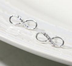 Infinity earring in silver