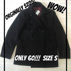 This is one of the biggest deals we here at Lincoln Park have ever seen! A brand new with tags men's peacoat which originally was $228 at Express and you can have it for $60 here at our Lincoln Park location!Guys this is the essential jacket for those bi-polar weather days here in Chicago.Get it before its gone!