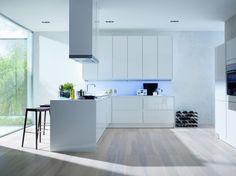 Cucina di lusso moderna bianco brillante