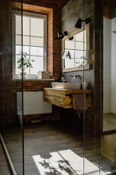 Improving Your Home on a Budget - Beauty and the Mist Apartment Must Haves, First Apartment Tips, Apartment Hacks, Apartment Essentials, Luxury Hotel Bathroom, Hotel Bathroom Design, Cozy Bathroom, Small Bathroom, Bathroom Designs