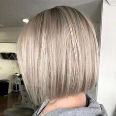 53 Adorable Blunt Bob Hairstyles to Give You a New Look - Hair Styles Bob Style Haircuts, Bob Hairstyles For Fine Hair, Long Bob Haircuts, Medium Bob Hairstyles, Lob Hairstyle, Hairstyles Haircuts, Modern Haircuts, Casual Hairstyles, Pixie Haircuts