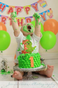 1 year and cake smashes! Some babies love their cakes! Some, not so much 🙂 1 year and cake smashes! Some babies love their cakes! Dinosaur First Birthday, Baby Boy 1st Birthday Party, 1st Birthday Cake Smash, Baby Cake Smash, Smash Cakes, Cake Smash Photos, Cake Smash Outfit, Die Dinos Baby, 1st Birthday Pictures
