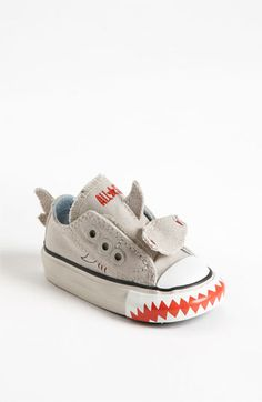 Converse 'Shark' Sneaker (Baby, Walker & Toddler) Baby shoes kill me~! Baby Converse, Baby Outfits, Kids Outfits, Cool Baby, Baby Sneakers, Baby Shoes, Toddler Boy Shoes, Toddler Sneakers, Baby Boy Fashion