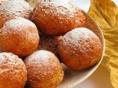 Cottage Cheese Donut, Ukrainian Traditional Recipes - description, pictures, cooking tips. Find the best Ukrainian dishes for sharing with family. European Cuisine, Hungarian Cuisine, Ukrainian Desserts, Pastry Recipes, Cooking Recipes, Bread And Pastries, Cottage Cheese, International Recipes, Tasty Dishes
