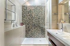 Badezimmer Mit Dusche   24 Ideen, Um Ein Effizientes Design Zu Schaffen