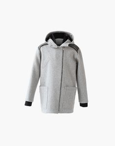 Manteau Philip Marilyne Baril 579.00 $  Le manteau Philip est un manteau de ville pratique et élégant pour hommes. Il a une fermeture à glissière au devant, 3 poches et un capuchon. Son tissu en melton est fabriqué au Québec. Ce modèle est offert en juste-à-temps.  80% laine 20% nylon Créé et fabriqué à Montréal. Nylons, Fibres, Hoodies, Sweaters, Fashion, Pockets, Custom In, City, Mantle