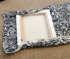- Tutorial how to cover canvas with fabric. Fabric canvas