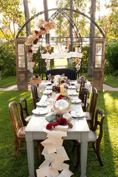 Need Steampunk decor and inspiration for your DIY wedding? Watch Hundreds of videos, How to and craft tutorials, Get etiquette advice.Pick your palette, shop wholesale decor sources and more! DIY Wedding apps The Only wedding app suite for DIY brides! Wedding Book, Diy Wedding, Wedding Events, Wedding App, Wedding Ideas, Wedding Reception, Trendy Wedding, Weddings, Wedding Inspiration