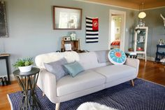 thisoldapt: How to deal when your dining room living room and entryway are all the same space: The Perfect Rental in Seattle VIA designsponge Living Room Interior, Home Living Room, Apartment Living, Living Room Inspiration, Interior Design Inspiration, Colored Ceiling, Ceiling Color, Pastel Decor, Seattle