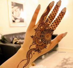 40+ Gorgeous Henna Ideas from Intricate to Elaborate - TattooBlend