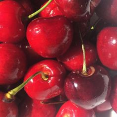 cherry, red, and fruit image Red Aesthetic Grunge, Aesthetic Colors, Aesthetic Photo, Aesthetic Pictures, Aesthetic Dark, Aesthetic Vintage, Photography Aesthetic, Red Photography, Pinterest Photography