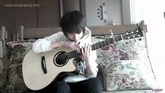(Guns N' Roses) Sweet Child O'Mine - Sungha Jung.so cool at when he knocks the guitar Basic Guitar Lessons, Acoustic Guitar Lessons, Dope Music, My Music, Music Corner, Sweet Child O' Mine, Best Guitarist, Guitar Tutorial, Video Site