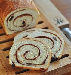 Cinnamon-Raisin Swirl Bread Makes 2 loaves 1 cup oz) raisins 1 cup oz) warm water 1 tablespoon active dry yeast 1 cup oz) milk, whole, or skim cup oz) unsalted butter, melted(How To Make Cinnamon Butter) Cinnamon Raisin Bread, Cinnamon Spice, Cinnamon Recipes, Cinnamon Rolls, Bread Rolls, Dry Yeast, Freshly Baked, Baked Goods, Cooking Tips