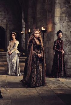 essie davis as queen dowager elizabeth woodville in the white princess 2017 the white. Black Bedroom Furniture Sets. Home Design Ideas