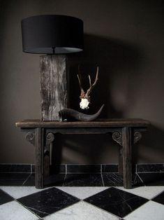 Tronco de madera como pie de lámpara