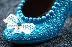 High, Turquoise Necklace, Baby Shoes, Workshop, Jewelry, Fashion, Shoes, Chocolate, Searching