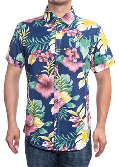 camisa de flores hombre Floral Shorts Mens, Menswear 2018, Aloha Shirt, T Shirt, Mens Fashion 2018, Ely, Wearable Art, Cool Shirts, Printed Shirts