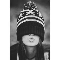 Refuge of the Wild fotografia Portrait Photography Poses, Creative Photography, Kreative Portraits, Creative Photoshoot Ideas, Photography Challenge, Fashion Photography Inspiration, Selfie Poses, Black And White Photography, Mistletoe