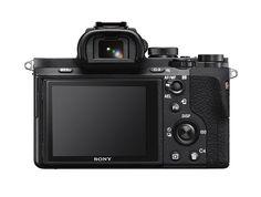 La nuova α7 II, la prima fotocamera full-frame al mondo con stabilizzazione ottica di immagine a 5 assi.