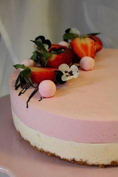 Hyvää ja hauskaa vappua teille ihana t  blogini-lukijat! Meillä herkuteltiin tänään TÄLLÄ  ihanan raikkaalla juustokakulla. Tätä kakkua ... Cute Cakes, Yummy Cakes, No Bake Desserts, Vegan Desserts, Valentines Food, Mousse Cake, I Want To Eat, Healthy Treats, Cheesecakes