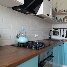 Home Decorating: Kitchen on a Budget Kitchen On A Budget, Kitchen Redo, Kitchen Design, Small Apartment Interior, Kitchen Interior, Compact Living, Indian Home Decor, Beautiful Kitchens, Home Kitchens