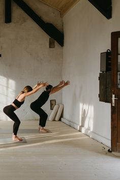 Yoga Inspiration, Fitness Inspiration, Yoga Motivation, Spiritual Wellness, Pilates Studio, Yoga Photography, Workout Aesthetic, Yoga Flow, Yoga Fitness