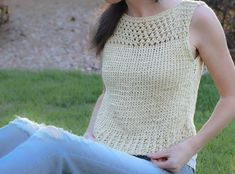 Free Knitting Pattern for Summer Vacation Easy Top - Jessica of Mama in a Stitch designed this easy sleeveless crop top with mesh yoke that's a fast knit with two strands of yarn held together. Easy Knitting Patterns, Free Knitting, Simple Knitting, Sweater Patterns, Summer Knitting, How To Purl Knit, Knit Fashion, Top Pattern, Crochet Pattern