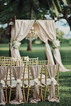 gold glitter wedding ceremony ideas