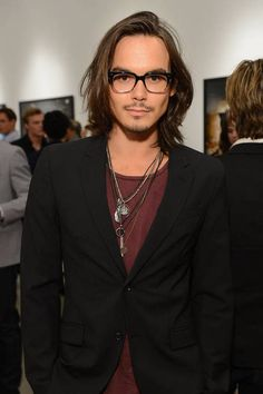 Stating The Obvious: All The Guys In Pretty Little Liars Are HOTTIES-Tyler Blackburn aka Caleb