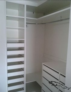 closet layout 408772103679472529 - 24 ideas bedroom wardrobe ideas layout Source by deniseninaweir Wardrobe Design Bedroom, Diy Wardrobe, Master Bedroom Closet, Bedroom Wardrobe, Wardrobe Ideas, Closet Ideas, Wardrobe Storage, Corner Wardrobe Closet, Master Bedrooms