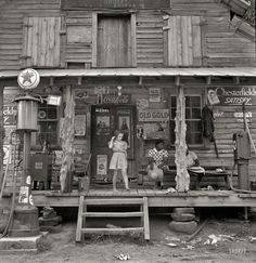 Country storefront in 1939. [1500 x 1546]