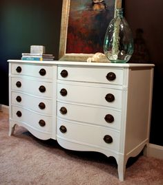 good tips for repainting furniture Painting Furniture, Old Dressers, Furniture Painting Techniques, Master Bedrooms, Bedrooms Updates, Painted Dressers, Painting Dressers, Business Procrastination, Repaint Furniture