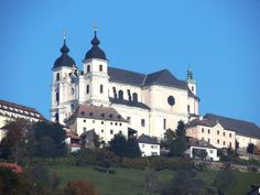 Sonntagberg Salzburg, Pinterest Photos, Berg, Vienna, Austria, Mansions, House Styles, Places, Manor Houses